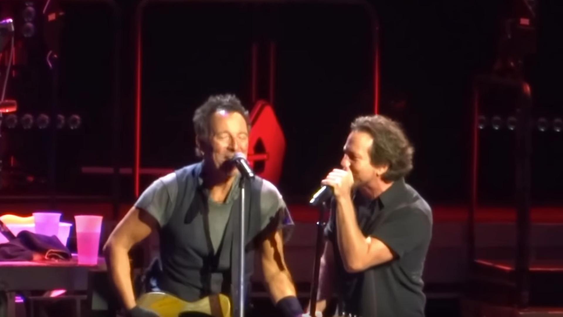 Eddie Vedder Tour  Usa