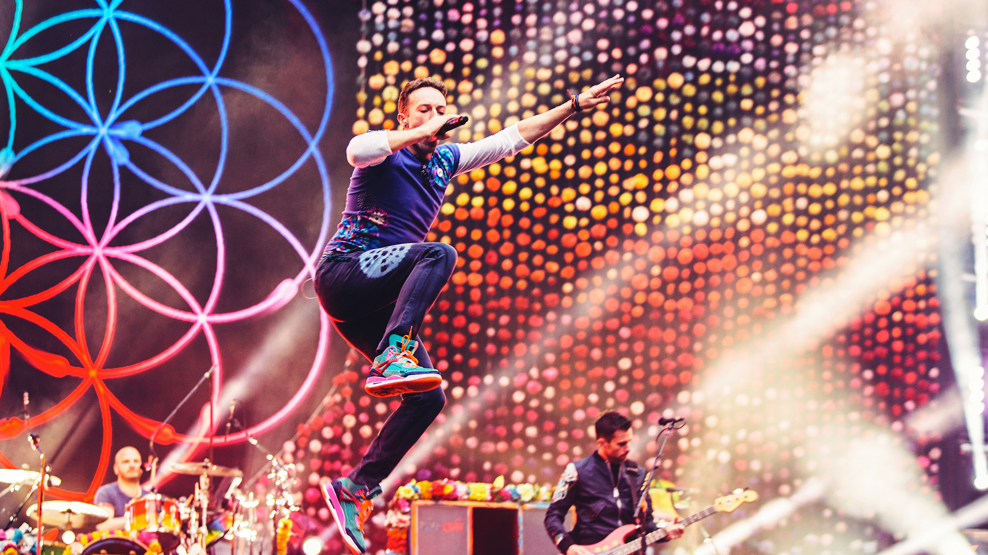 Coldplay sets 2017 date for Gillette Stadium in Foxborough