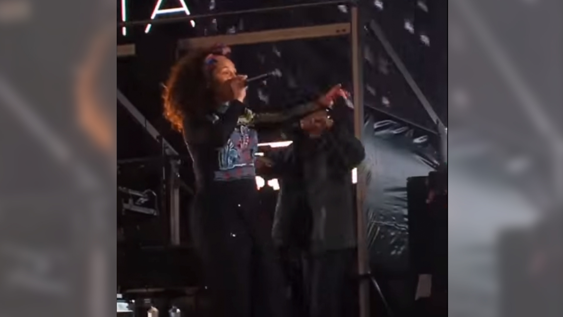 Alicia keys performs empire state of mind with jay z in times square alicia keys performs empire state of mind and other hits with jay z john mayer q tip questlove and nas to lead up to the release of her new album malvernweather Image collections