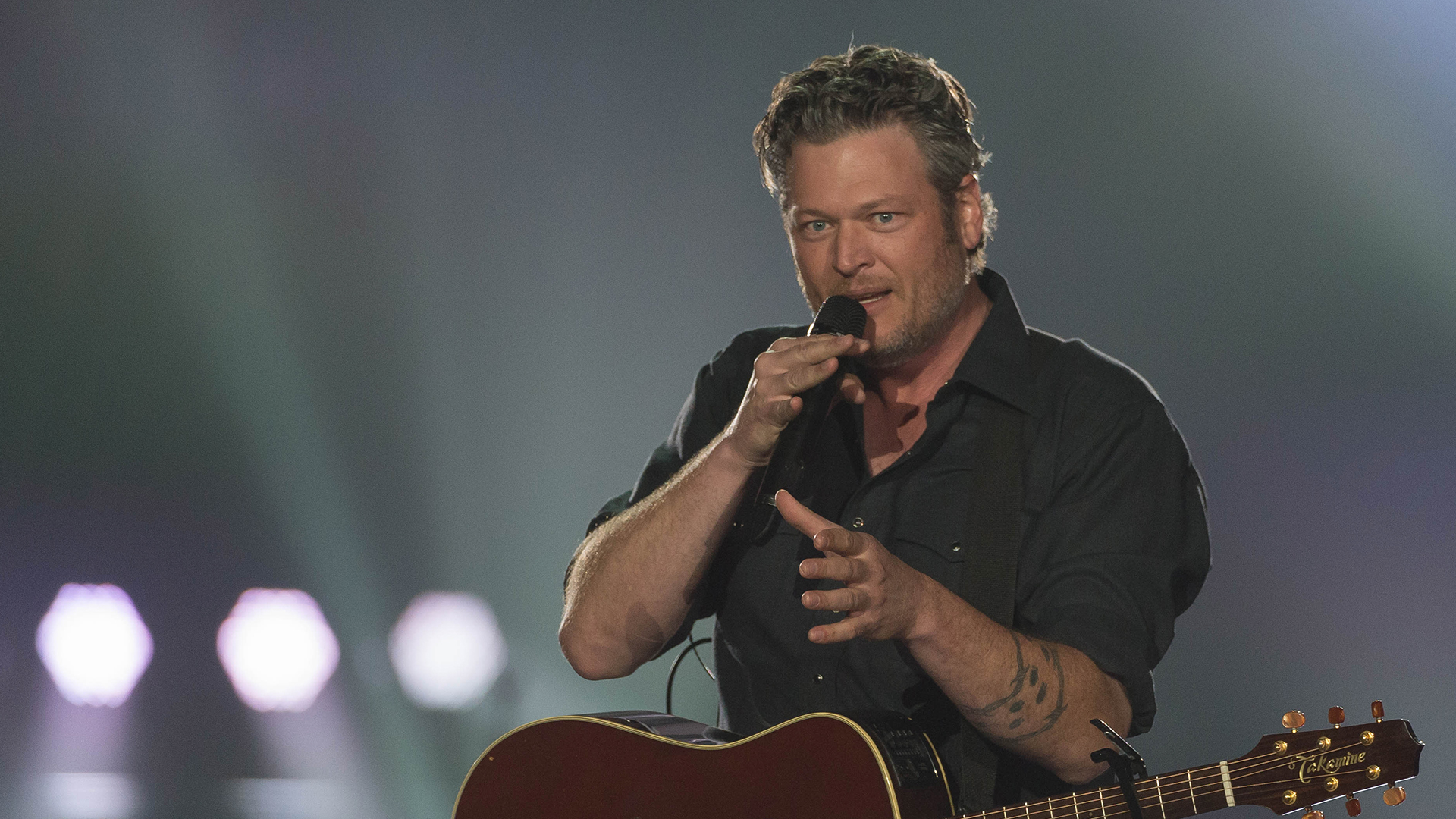Photo Gallery Blake Shelton Performs Every Time I Hear